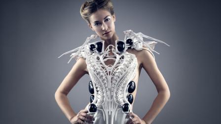 """美女设计师制造""""女性防狼衣"""",时尚帅气,还能自动感知坏人"""