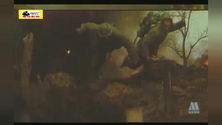淮海战役粟裕围歼黄百韬,战士们在水中扛着浮桥,前赴后继冲锋,震撼泪奔致敬先烈们