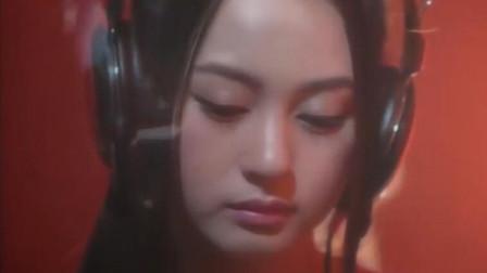 越南女歌手翻唱的一首中国歌曲 很好听呢