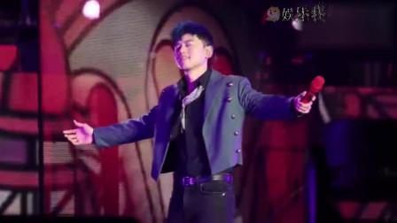 张杰演唱会串烧歌曲《第一夫人》,不愧是实力歌手!