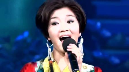 降央卓玛不愧是最美女中音,一首经典老歌,就算是云飞都不得不服