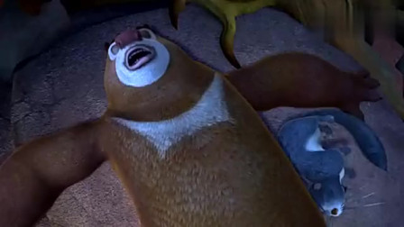 熊出没关头强使坏,利用肥波不让狗熊睡觉,自己好正大光明砍树