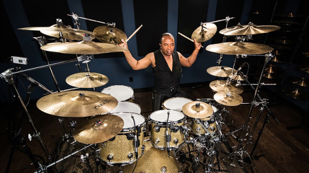 杰克逊御用鼓手再现经典,神级演奏,普通人真的驾驭不了