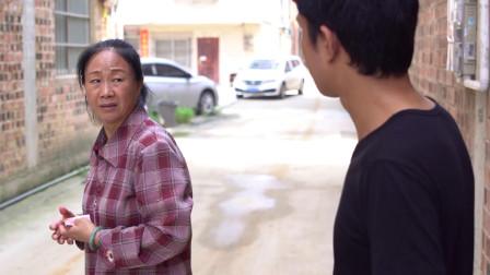 女老板装乞丐问农民工要路费,善良农民工给了1000元,结局感人