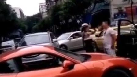 保时捷女车主丈夫童小华涉嫌违纪问题 被免去派出所所长职务
