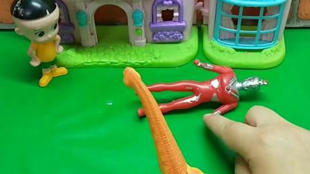 少儿益智亲子玩具:恐龙怪兽要吃小孩子,奥特曼及时赶到,但是被打倒在地,他们该怎么办?