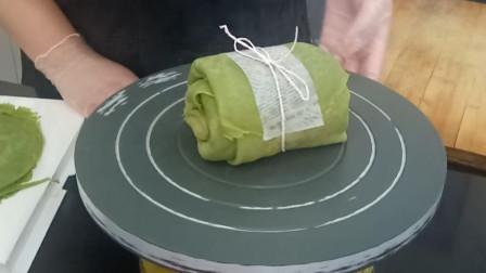 甜心蛋糕坊:抹茶毛巾卷蛋糕制作方法讲解,抹奶油这一步最关键!