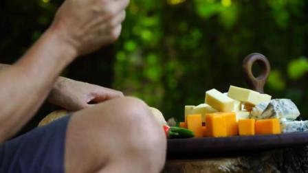 用蓝纹奶酪做芝士火锅!大块火腿丁蘸着吃,味蕾的终极享受