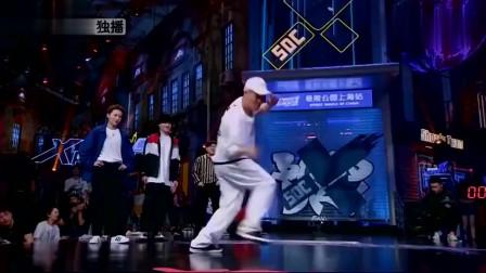 街舞:阿牙跳舞太欢乐,队长们看完情不自禁,跟着一起摇摆