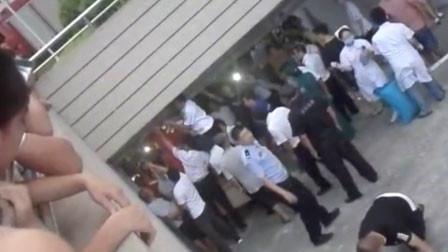 福建一5岁男童被卷入车库卷帘门身亡 事发地为监控盲区