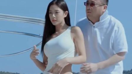 李成敏游艇的片段,细心的网友发现了不可思议的事情!