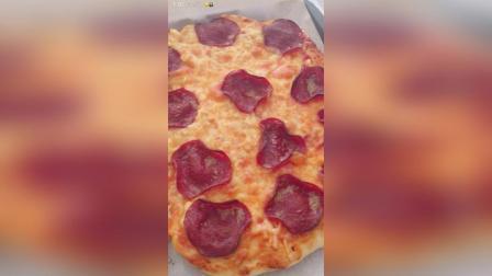 榴莲和意大利辣味香肠披萨 之前的视频不知道为啥卡着