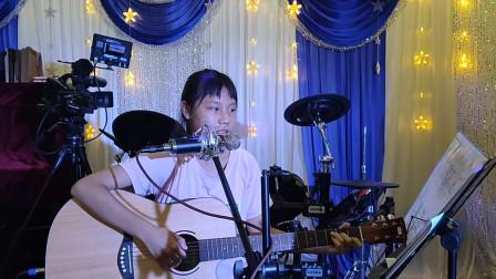 黄卓霖同学学习吉他视频《两只老虎》