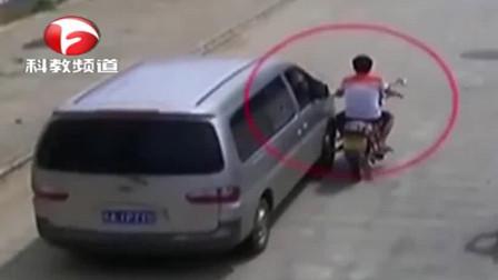 借朋友车后肇事逃逸, 责任谁来承担?