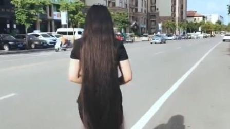 这么长的头发,绞马桶里可咋整