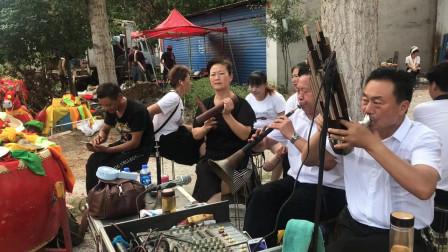 河南民间艺人唢呐吹奏传统曲牌,和吹笙的大哥配合默契!