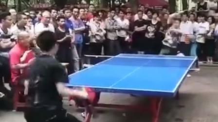 体育辣报小视频 据说这是小区乒乓球海选赛现场,你能入四强吗?