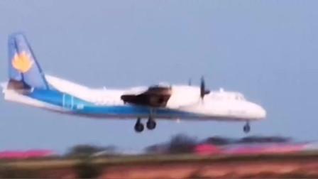 这架飞机有点特别,前头装了2个小螺旋桨,有什么用处呢?