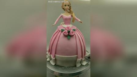 翻糖蛋糕成品, 有芭比娃娃, 城堡, 小黄人, 女生喜欢的包包