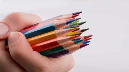 铅笔里面的笔芯,到底是怎么塞进木头里的?