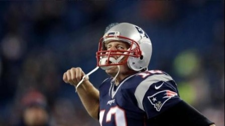 【NFL巨星风采】前英式橄榄球巨星克里斯蒂安-韦德首次出场就完成了65码冲刺达阵