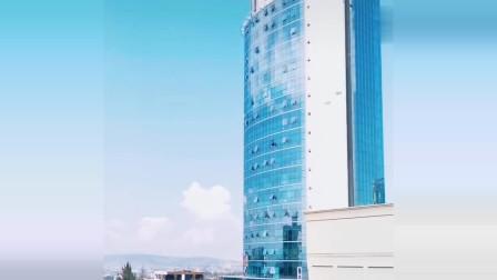 非洲卢旺达,首都市中心有块地,也是亿万富豪