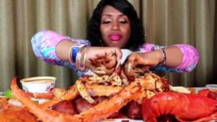 外国小姐姐吃大龙虾和帝王蟹,吃的太香了,网友:这是家里有矿?