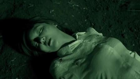 美女发现男友隐藏的秘密,男友痛下杀手将其活活掐死!