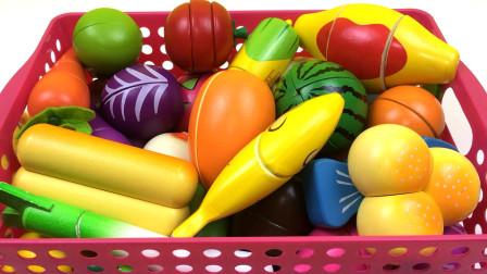 爆笑虫子和托马斯玩切水果玩具