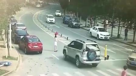 司机车门甩的一个潇洒,下一秒到死都没明白是怎么回事