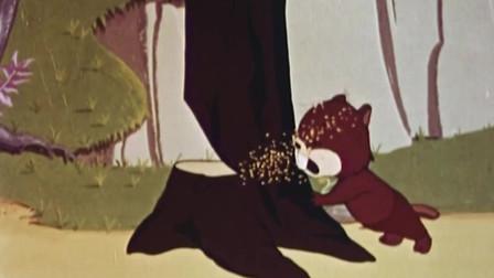 鬼马小精灵:小家伙正在卖力的工作着,忽然听到了同胞呼救的声音!