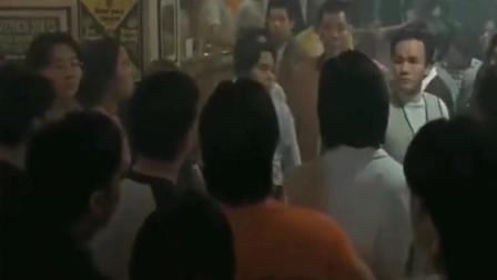 陈浩南带着兄弟砸黑社会老大的场子,这画面太霸气了