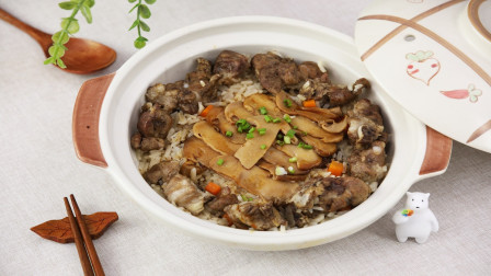 高山上的美味,据说这道鲜味十足松茸焖饭可是餐饮界的爱马仕!