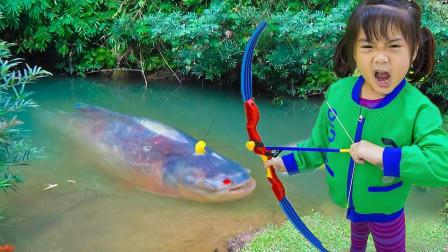 小萝莉养的大鱼竟然被偷走了!警察也被小偷骗了,咋回事?