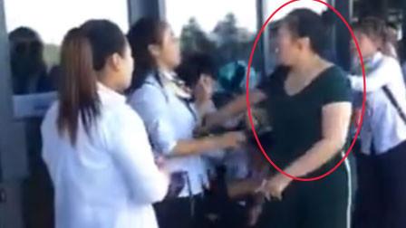 仅因不小心碰撞起纠纷 西安兵马俑景区游客殴打导游