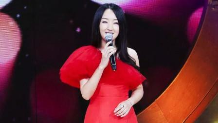 杨钰莹这首歌太火了,甜到让人起鸡皮疙瘩,嗓音太美了!
