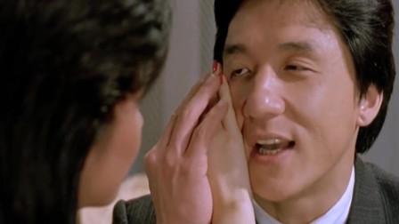 一部香港经典动作喜剧片,成龙、元彪、洪金宝三大武打巨星齐聚,看成龙泡妞