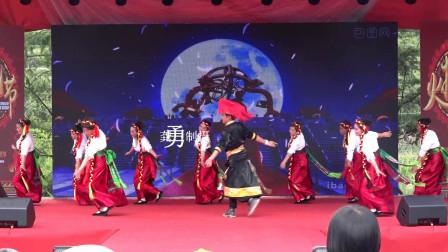镇雄芒部松林火把节舞蹈《太阳姑娘》