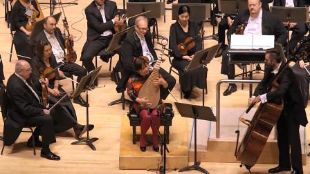 """又一个被中国乐器""""气哭""""的老外,琵琶大师一出手,全程都看懵"""