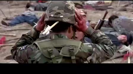 """""""天军""""现代士兵穿越到古战场,拿着机枪对着冲上来的就是一顿扫"""