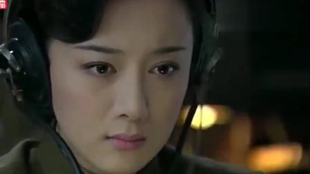 血战长空:空军和鬼子在天上对战,百万中国的军民上街,真震撼!