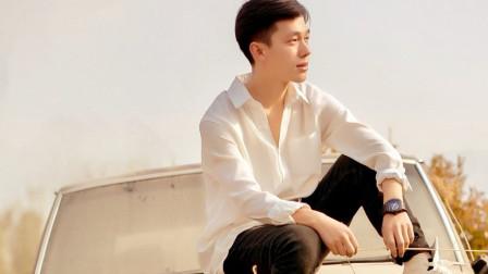 河南小伙撞脸李现走红,常被美女追着加微信,网友:相似度99%