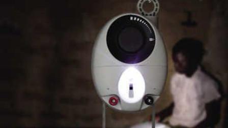 英国团队发明穷人灯,仅需重力就能发光,售价仅为5美元