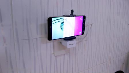 手机支架和充电器完美结合,感觉还是挺靠谱的