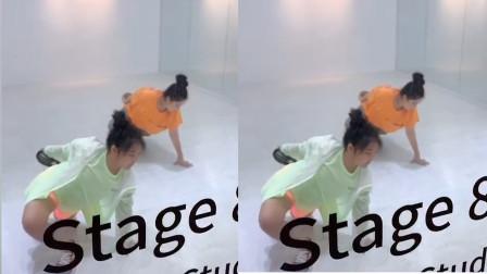 李湘晒王诗龄练舞视频,老师一对一指导,王诗龄全程超认真.