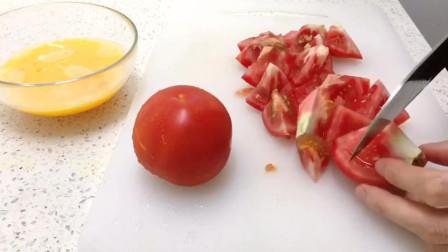 做了西红柿炖煎蛋,燕麦饭