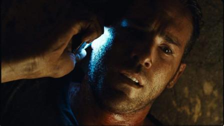 这部电影让人全程窒息,男子被活埋后被困棺材里,一个人演完了整部电影