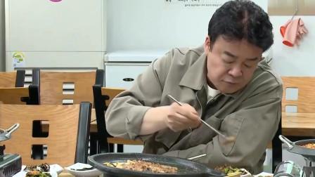 白钟元在韩国吃烤牛小肠,连肠子里的油都吃,还是觉得不好吃!