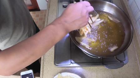 只需一步香炸薯条又香又脆下一步骤就是汉堡包了家庭西餐可以成套餐