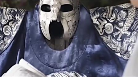人们都以为戴面具的世子丑陋,不料摘下面具后,竟是如此英俊!